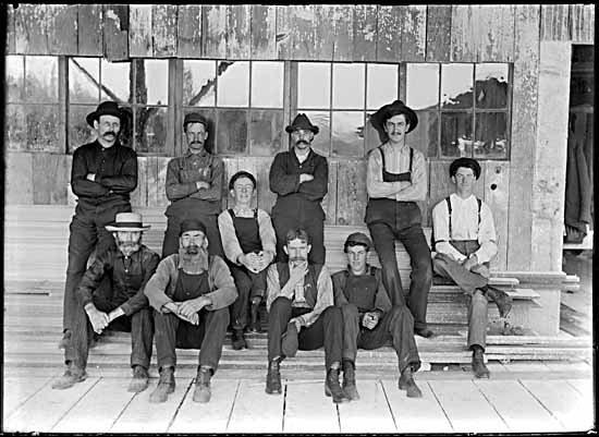 VPL #6741, Philip Timms, 1906, CP lumber Company workers at Port Moody